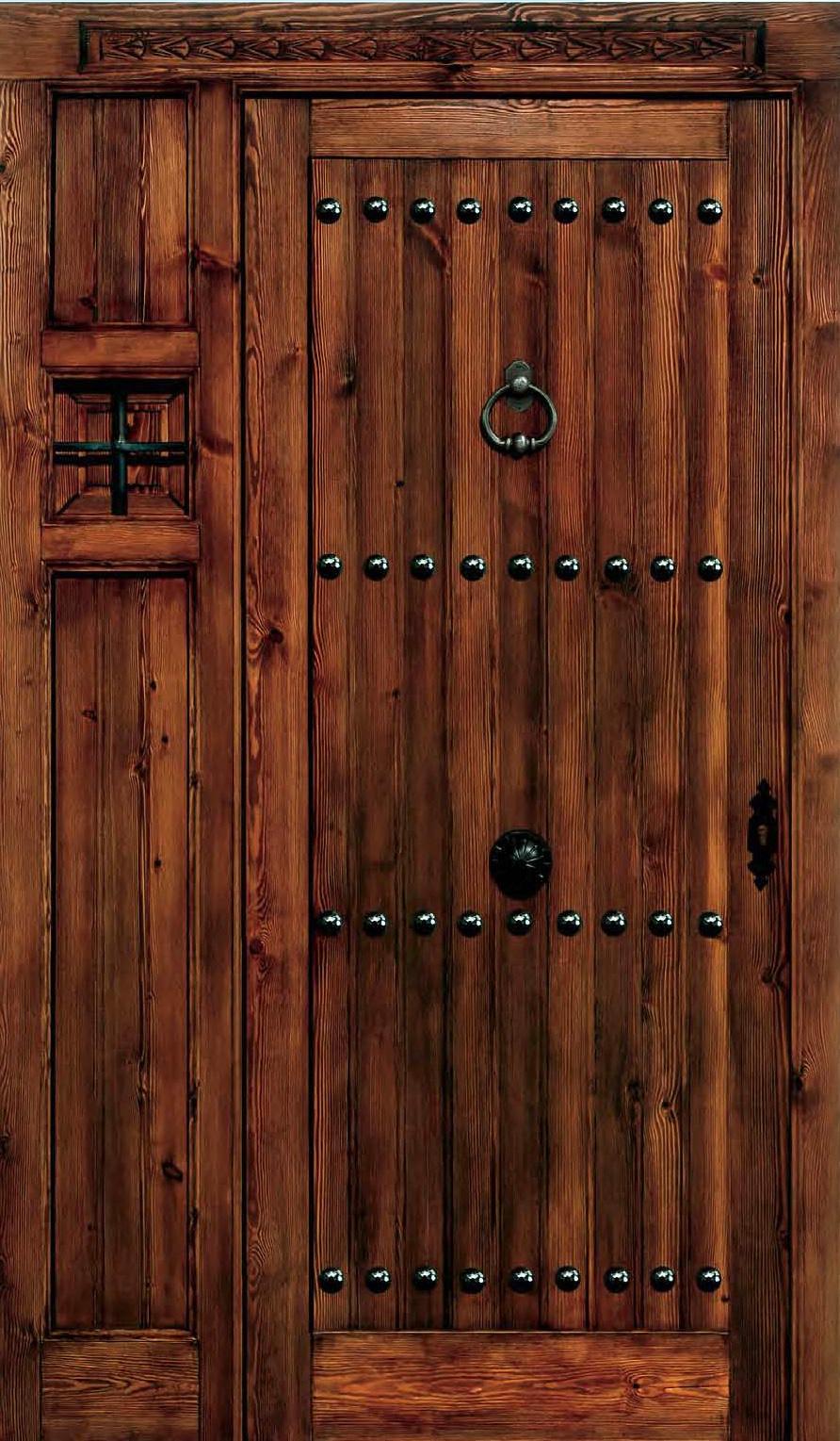 Puerta de madera rustica puerta de madera antigua tallada for Puertas rusticas de madera
